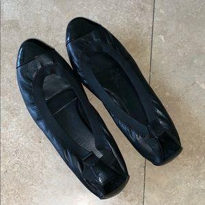 CHANEL BLACK LEATHER/PATENT BALLET FLATS